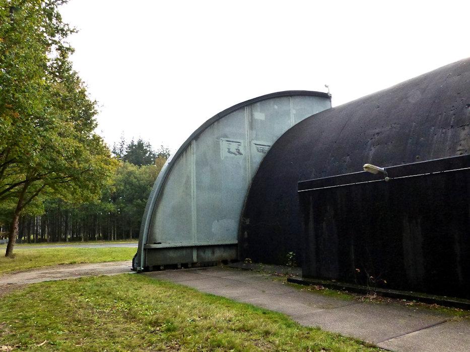 20201023-soesterberg-airbase-07 backside of doors