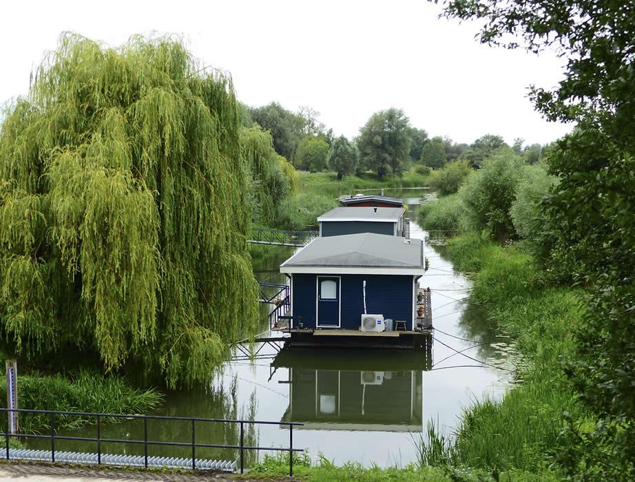 20071707-woonboten-bij-de-Grebbesluis